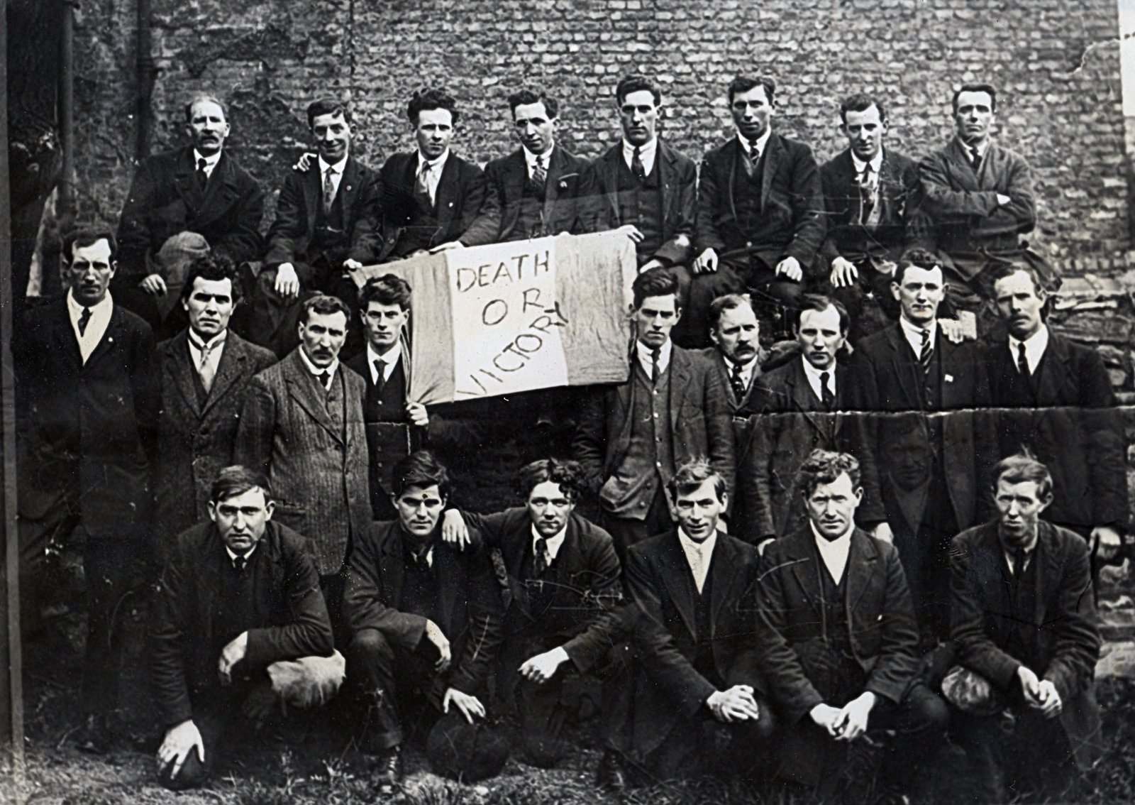 Image - Released Belfast hunger strikers arrive in Dublin, May 1920. Image Kilmainham Gaol Museum1B51-03