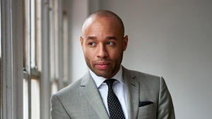 Sharp-dressed piano-player: Aaron Diehl