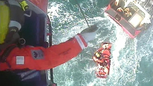 A winch operation took place to take the fisherman from the boat (Courtesy: Irish Coast Guard/R117)