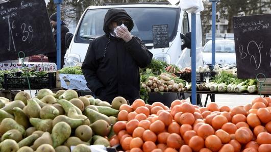 Global stocks dive as coronavirus raises recession fears