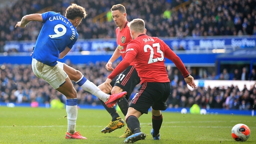 Dominic Calvert-Lewin shot but Gylfi Sigurdsson was sitting on the ground and judged to be offside