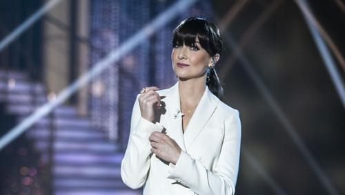 Jennifer dazzled in a bright white suit on last night's show.