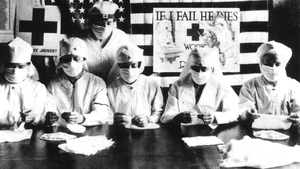 Red Cross volunteers fighting against the spanish flu epidemy in United States in 1918. Photo: Apic/Getty Images