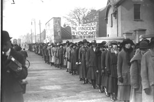 Women protesting outside Mountjoy Jail, Dublin in 1920.