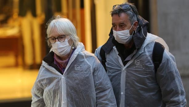 Londoners wearing masks