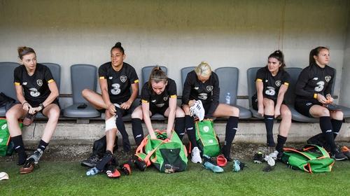 (L-R) Hayley Nolan, Rianna Jarrett, Claire Walsh, Stephanie Roche, Jamie Finn and Kyra Carusa prepare for a training in Petrovac
