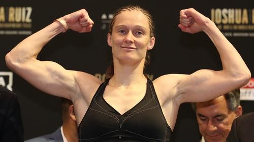 Delfine Persoon lost on a split decision to Nikoleta Pita