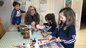 Robyn, Jake and Abbilee along with their mother Sharon McLaughlin are enjoying the daily projects
