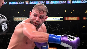 Saunders edged out Callum Smith for a highly sought after bout against Alvarez