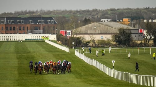 Horse racing to return on 8 June