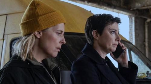 Mel Giedroyc and Sue Perkins in Hitmen