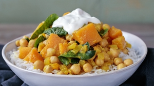 Chickpea Spinach Squash Curry
