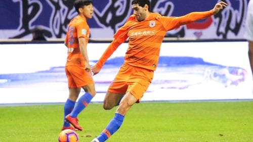 Marouane Fellaini, who plays with Shandong, tested positive for Covid-19 in March