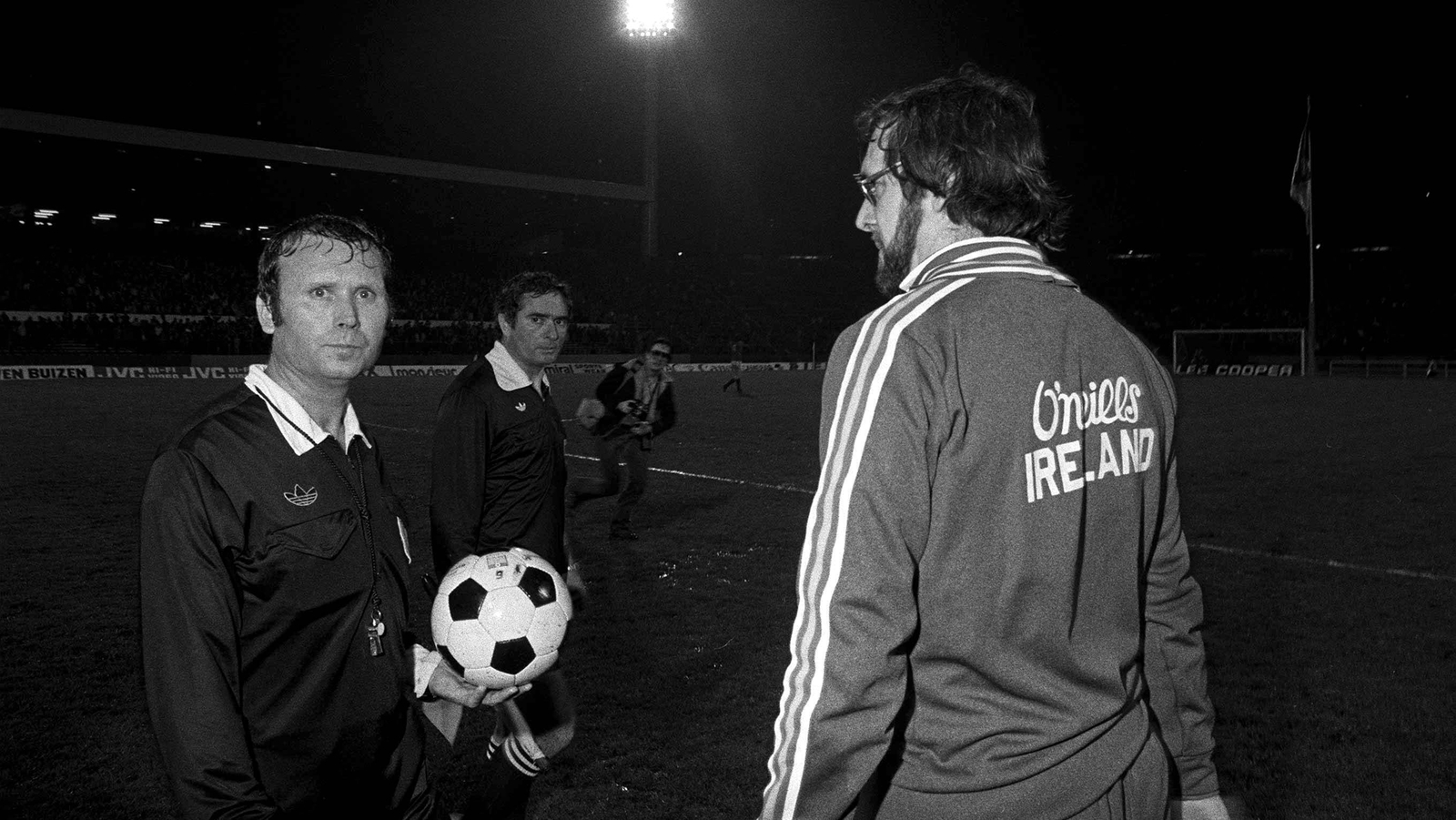 Image - Ref woes: Eoin Hand confronts Raul Nazare in Heysel in '81