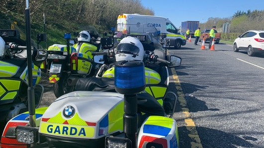 Gardaí set up checkpoints to curb Easter travel