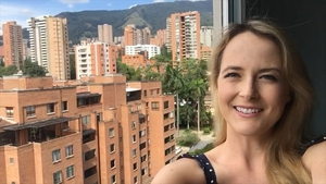 Rebecca Winckworth has been singing to people from her balcony in Medellin