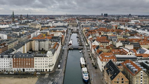 Will the Nyhavn tourist area in Copenhagen see more hustle and bustle in the next number of weeks?