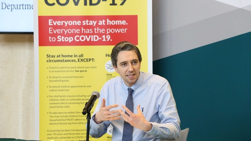 Simon Harris speaking to the media this afternoon (Pic: Rolling News)