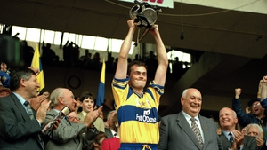 Anthony Daly lifts the Liam MacCarthy Cup
