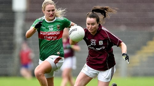 Nicola Ward (R) in action against Fiona Doherty of Mayo