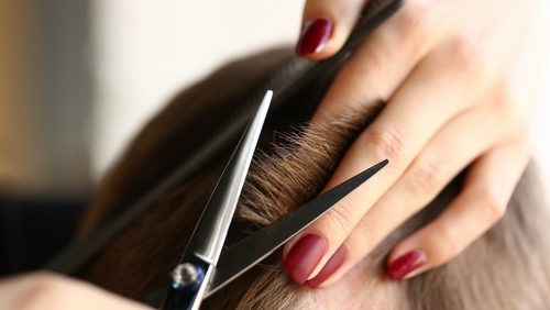 A €40 or €50 haircut now costing up to €200 on black market
