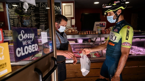 Umberto Marenga has decided to pull on his lycra and start hauling pasta and pizza across the suburbs of the northern Italian city of Turin