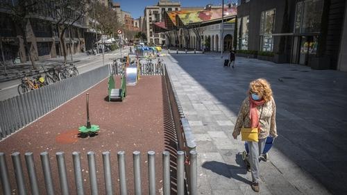 Spain Reports 325 New Coronavirus Deaths, Toll Climbs to 24, 275