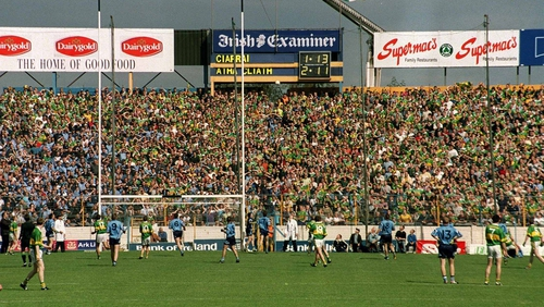Maurice Fitzgerald kicks the equalising point for Kerry