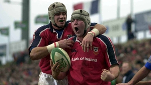 Anthony Foley (R) and Alan Quinlan in 2001