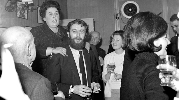 Ronnie Drew in O'Donoghue's.