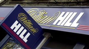 William Hill has pulled all future forecasts as it reported online betting revenue fell 21% in the seven weeks to April 28