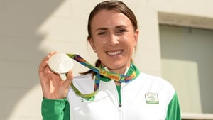 Annalise Murphy with her prize