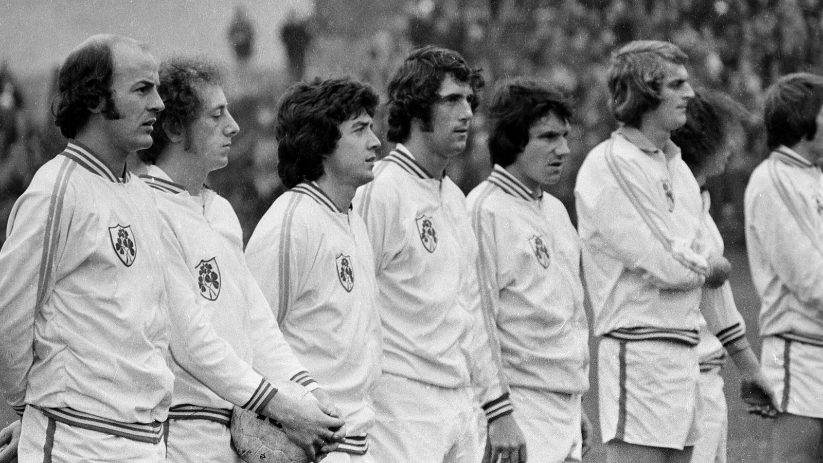 Image - Mancini, Martin, Kinnear, Givens, Treacy, Roche before the famous win over USSR