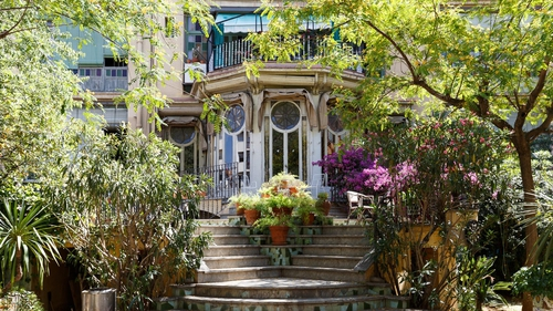 The opulent Airbnb listing is in the Art Nouveau style.