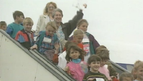 Belarusian children and chaperones arriving in Shannon Airport (1995)