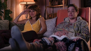 Marisa Tomei with Pete Davidson in The King of Staten Island