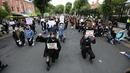 Protesters take to their knees outside the US Embassy in Dublin (Pic: RollingNews.ie)