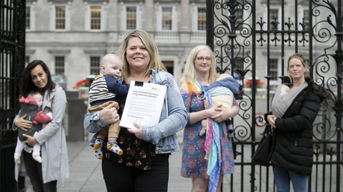 Pictured outside Leinster House (L-R) Andrea Simic with Nika, Tara MacDarby with Callum, Paula Solan with Quinn and Amy McGivney with Ki