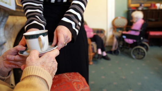 Social workers call for deployment to nursing homes