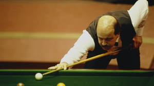 Willie Thorne in action at the World Championship in 1988.