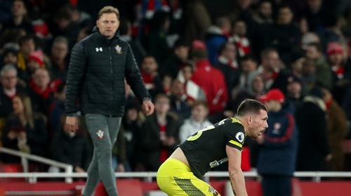 Hojbjerg stripped of Saints captaincy