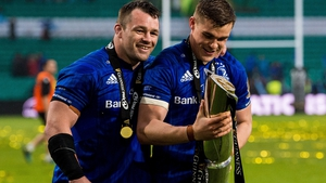 Cian Healy (L) and Garry Ringrose with the Pro14 trophy last year