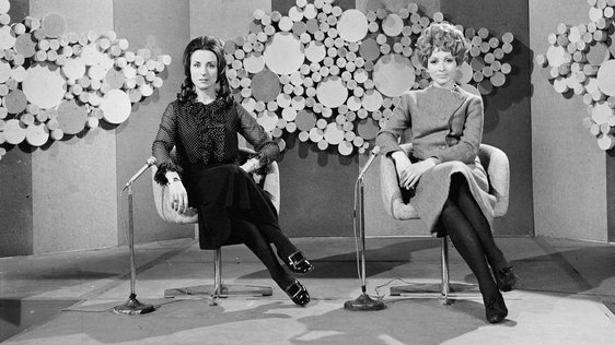 Máire O'Neill (left) and Aileen Geoghegan, the presenters of RTÉ Television's 'Buntús Cainte',