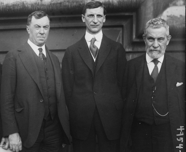 Éamon de Valera (centre) with Judge Daniel Cohalan (left) and John Devoy, editor of the Gaelic American Photo: Library of Congress Prints and Photographs Division Washington, D.C. 20540 USA
