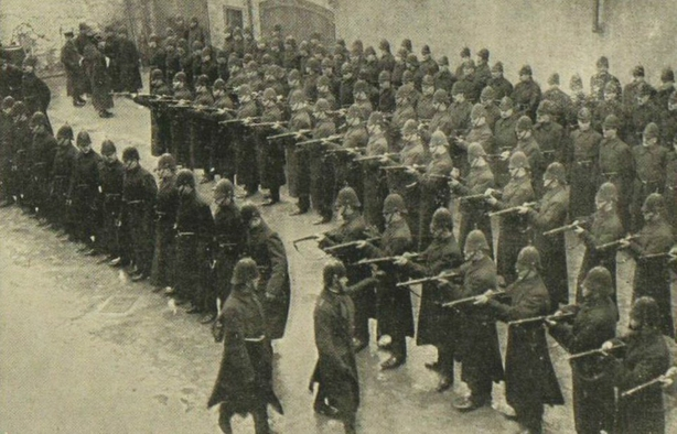 Members of the Royal Irish Constabulary having their rifles inspected in Derry in 1913 Photo: Illustrated London News [London, England], 8 February 1913