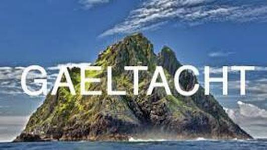 Caitlín Breathnach;Teaghlaigh a bogadh go h-Uibh Ráthach.