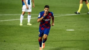 Luis Suarez scored the only goal to decide the derby in Barca's favour