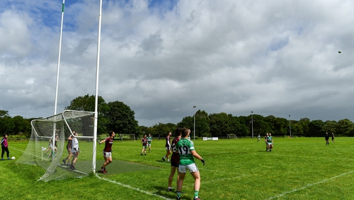 Action from a recent challenge game between Listry and Dromid Pearses in Co Kerry