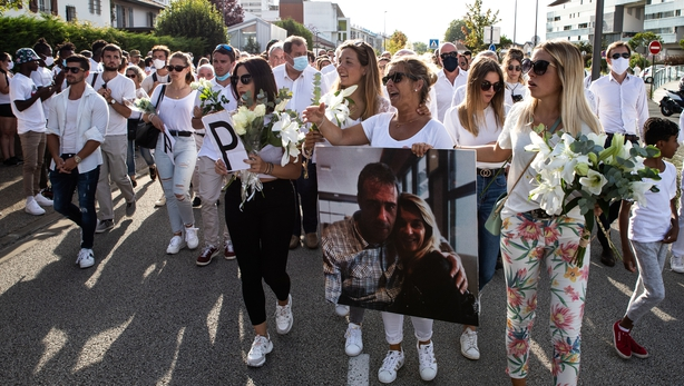 The driver of the family organized on Wednesday, a silent March in their honor, you will leave the stop where the attack took place.