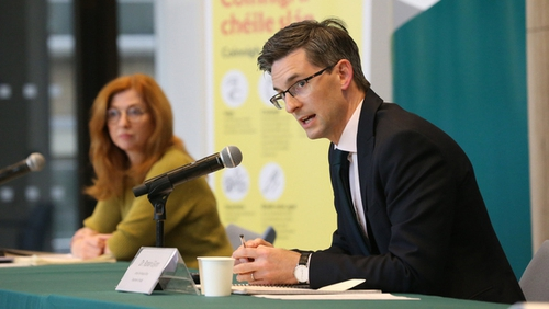 Dr Ronan Glynn and Dr Siobhán Ní Bhriain at the Department of Health press briefing (Pic: RollingNews.ie)